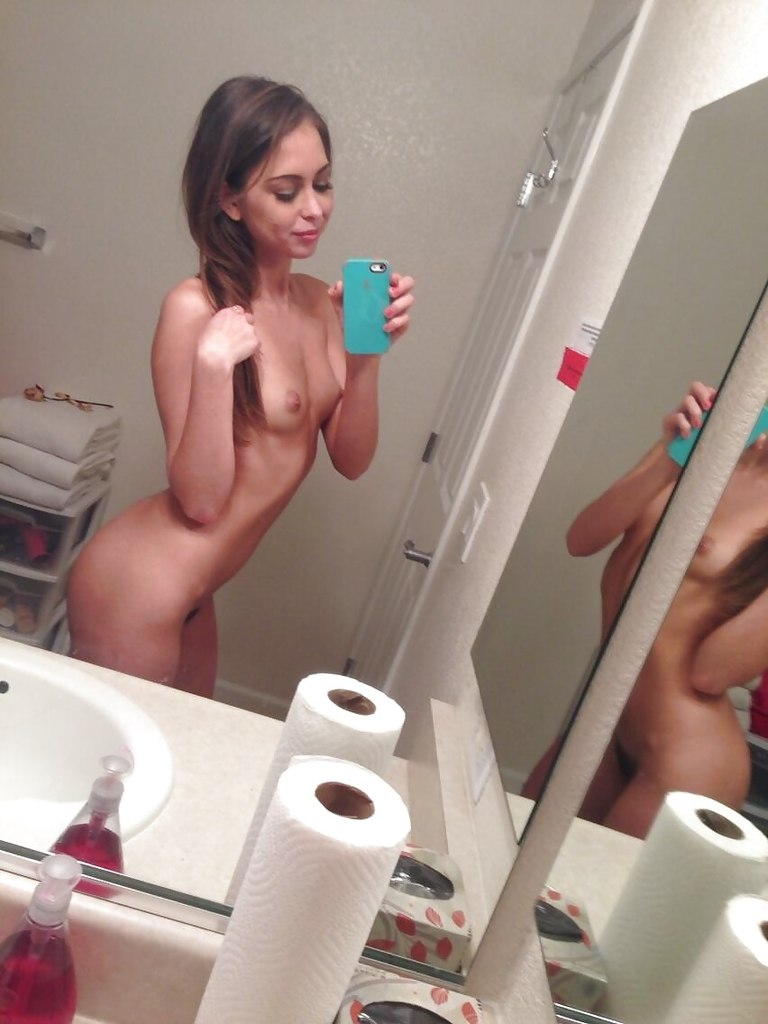 Indian Girls Naked In Toilet